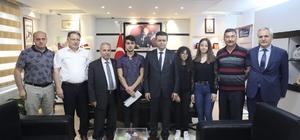 Başkan Demirtaş'tan dereceye giren öğrencilere altın