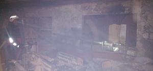 Van'da iş yeri yangını