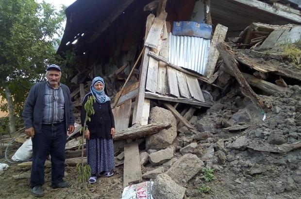Olur'da yaşlı çiftin evleri çöktü