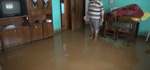 Kırıkkale'de sağanak etkili oldu Dağlık alandan gelen sel evleri bastı