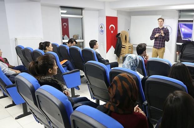 Pamukkale Belediyesi gençlere yabancı dil kursu açıyor Pamukkale Belediyesi ücretsiz yabancı dil kursu açıyor