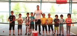 Merkezefendi'de yaz spor okullarına çocuklardan büyük ilgi