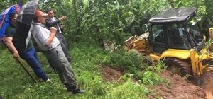 Ordu'da yağmur sonrası yollar kapandı, bahçeler zarar gördü