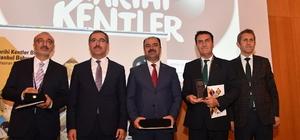 Fetih Müzesi'ne ödül Tarihî Kentler Birliği'nden Dündar'a görev