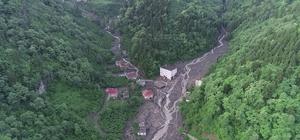 Doğu Karadeniz'in 90 yıllık afet bilançosu: 644 ölü Doğu Karadeniz'de 90 yılda 644 kişi sel, heyelan ve taşkınlarda hayatını kaybetti Doğu Karadeniz'de en fazla sel Rize'de, en fazla ölümlü afet olayı ise Trabzon'da yaşandı