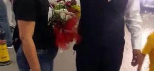 Cani koca eşini öldürmeden önce havalimanından çiçeklerle almış Bismil'de eşini bıçakla öldürüp daha sonra parçalamaya çalışan cani kocanın yeni görüntüleri ortaya çıktı Cani koca, eşini öldürmeden önce havalimanından çiçeklerle karşılamış