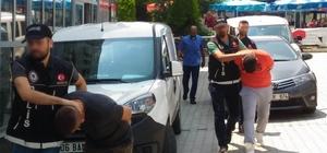 Sattıkları uyuşturucu hapla 25 yaşındaki genci öldürdüler Zehir tacirleri 89 adet uyuşturucu hapla yakalandı