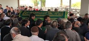 Cenaze camide mahsur kaldı