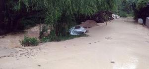 Darende'de sağanak yağış sele neden oldu Pat Pat deresi aşırı yağış sonrası taştı