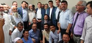Türk Dünyası'ndan Binali Yıldırım'a destek Osmangazi Belediye Başkanı Mustafa Dündar, İstanbul'da yaşayan Türkistanlı soydaşlarla buluştu, buluşmada Türk Dünyasının bekası İçin dua edildi Dündar, İstanbul'da yüzlerce Türkistanlı ile buluştu