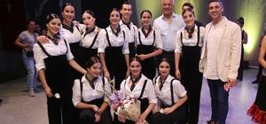 Soli Güneş Festivali'nda kültürler buluşması Festivalin ilk gününde Türk folkloruyla flamenkonun örneklerinin sunulduğu gecede, dans severler muhteşem bir gece yaşadı
