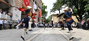 """Şehit Padişah Sultan Murad Çekirge'deki kabri başında anıldı Osmangazi Belediyesi'nden ecdada vefa Şehit Padişah Kosova'nın ardından Bursa'da yad edildi Dündar: """"Sultan Murad'ın Felsefesini Yaşatıyoruz"""""""