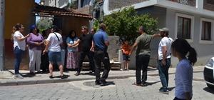 (Özel) Sokaktaki çocukların oyununa kızan mahalle magandası dehşet saçtı Denizli'de meydan muharebesi gibi mahalle kavgası Denizli'de komşular birbirine girdi: 2 yaralı 4 gözaltı Mahalle kavgası hastane ve karakolda bitti