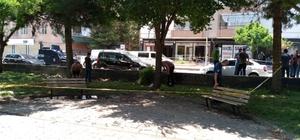 Diyarbakır'da parkta oturan 2 kişiye silahlı saldır: 1'i ağır 2 yaralı