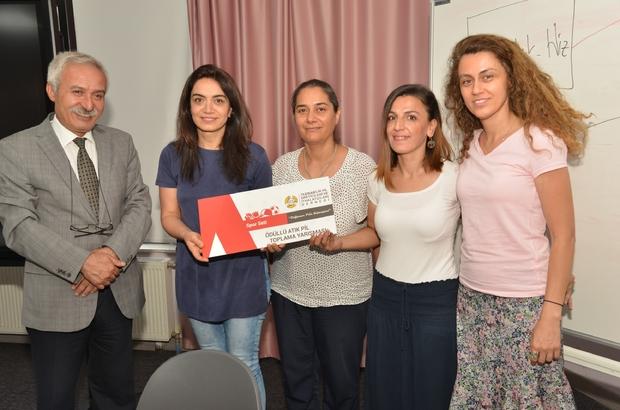 Başkan Mızraklı, atık pil toplayan okullara ödüllerini verdi