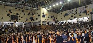 675 öğrenci mezuniyet sevinci yaşadı