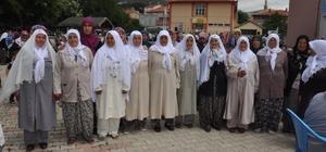 Sinanpaşa ilçesinde Hacı Pilavı geleneği Hacı adayları kasaba halkı ile etli pilav yemeğinde bir araya gelerek helallik aldı
