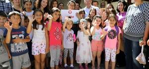 Yaz Kursları Başladı Menteşe Belediyesi Yaz Kursları başladı. 1565 çocuk aileleriyle birlikte Konakaltı İskender Alper Kültür Merkezi'nde düzenlenen törenle kayıtlarını yaptırdılar.