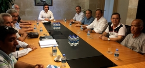 Ziraat Odası Başkanlarından Başkan Aras'a ziyaret Muğla genelindeki Ziraat Odası Başkanları Koordinasyon Kurulu Başkanı Mehmet Baştuğ ile Bodrum Belediye Başkanı Ahmet Aras'ı hayırlı olsun ziyaretinde bulundu.