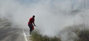 Tarla yangınına sanayi esnafı yangın tüpleri ile müdahale etti