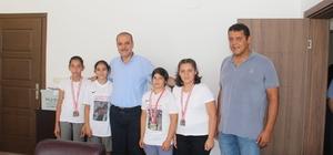 Başarılı sporculardan Başkan Uzundemir'e ziyaret