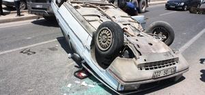 Diyarbakır'da trafik kazası: 2'si çocuk 4 yaralı Araca çarpmamak için direksiyonu kırdı, takla atarak durabildi