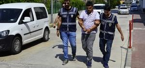 Parasını isteyen şahsı vurmak isterken arkadaşını öldürdü Adana'da bir kişi; 6 bin lira borçlu olduğu olan şahısla tartıştı, tartışmayı yatıştırmak isteyen arkadaşını pompalı tüfekle öldürdü