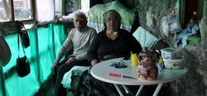 Kars'ta yaşlı çiftin tek odada yaşam mücadelesi