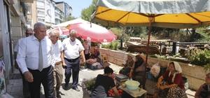 Başkan Atay, üretici pazarında