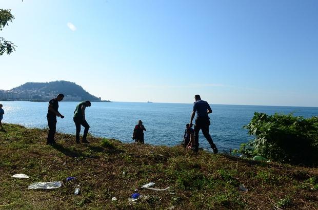 Anne-kız kurtarıldı, akrabaları hayatını kaybetti Giresun'da denizde boğulma tehlikesi geçiren 3 kişiden ikisi kurtarıldı, biri hayatını kaybetti