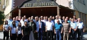 Oltu Belediyesi personeli kadına şiddeti lanetledi Bursa'da nişanlısı tarafından öldürülen hemşerileri için toplandılar