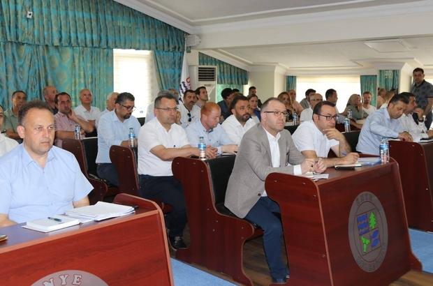 Ünye masaya yatırıldı Ünye Belediye Başkanı Hüseyin Tavlı'nın girişimleriyle, Ordu Büyükşehir Belediyesi'nin Ünye'de yaptığı ve yapacağı yatırımlara ilişkin değerlendirme toplantısı gerçekleştirildi