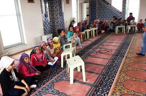 Hisarcık'ta Yaz Kur'an Kursu öğrencileri 15 Temmuz şehitleri için mevlit okudu