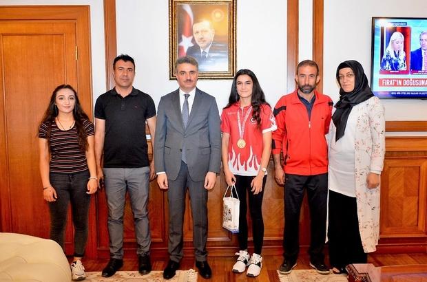 Türkiye Boks Şampiyonu Hatice Akbaş Malatya'nın gurur oldu