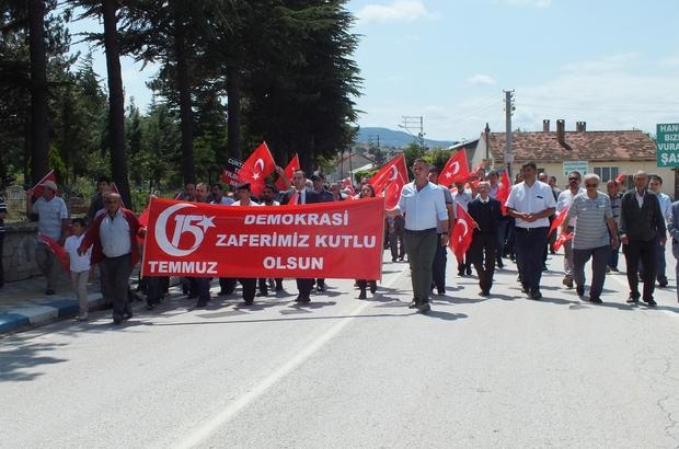 """Pazaryeri'nde """"15 Temmuz Milli Birlik ve Demokrasi Günü"""" yürüyüşü"""