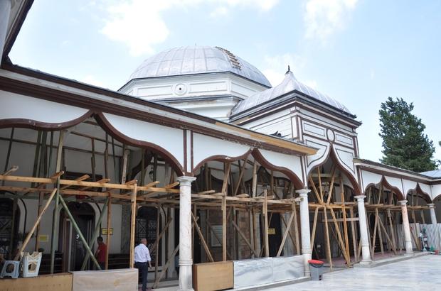 Emir Sultan'da bitmeyen restorasyon çilesi