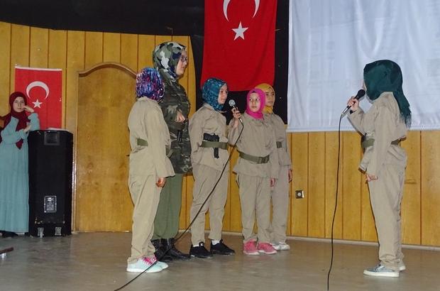 Yaz Kur'an Kursu kız öğrencilerinden 15 Temmuz Programı
