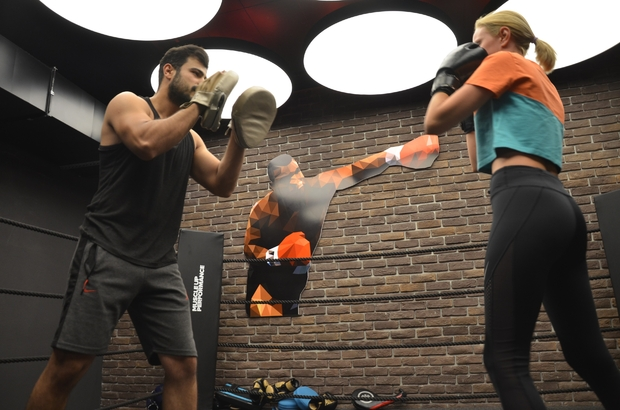 Boks ve kick boks öğrenmek isterken, bir ömür sakat kalmayın Belgesiz antrenörler ile yapılan bilinçsiz spor, sakatlanma riskini arttırıyor