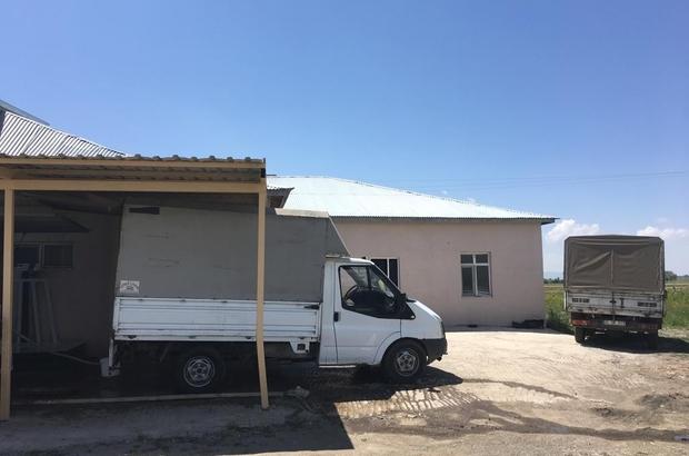 Erzurum'da akıllara durgunluk veren hırsızlık Piyasa değeri yaklaşık 100 bin lira olan tonlarca peynir ve kaymağı çaldılar