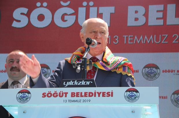 """MHP lideri Bahçeli, Söğüt&te Cumhurbaşkanlığı Hükümet Sistemine son noktayı koydu """"Türkiye sistem tartışmalarını sonlandırmıştır"""" """"Takdir-tebrik-teşekkür ziyaretimiz kapsamında ilk durak olarak Söğüt'ü belirledik"""" """"Söğüt'e verdiğimiz sözleri birer birer yerine getireceğiz"""" """"31 Martta Türk milleti dünyaya demokrasi dersi verdi"""" """"Cumhur İttifakı bu neslin ta kendisidir"""" """"CHP'nin Amerika hayranlığı esir düşmüş bir siyasetin numunesi"""""""
