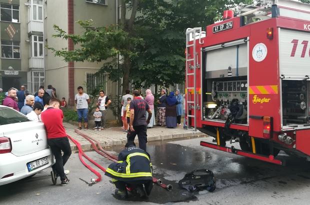Kibritle oynayan çocuk evi küle çeviriyordu Çıkan yangında dumandan etkilenen 1 kişi hastaneye kaldırıldı