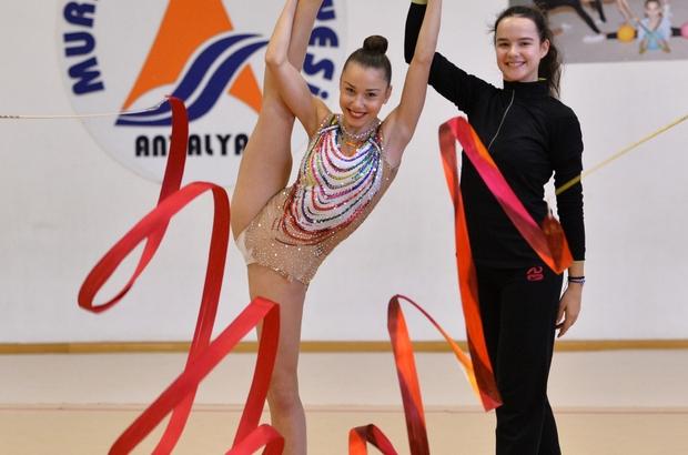 Muratpaşa'nın cimnastikçilerine milli davet