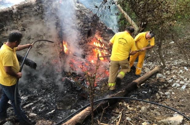 Manisa Spil Dağına düşen yıldırım ormanı küle çevirecekti Manisa Orman İşletme Müdürlüğünün hızlı müdahale ormanı kurtardı