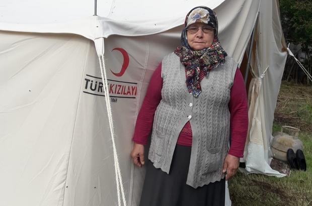 Evi yanan ve çadırda kalan yaşlı kadın yardım bekliyor