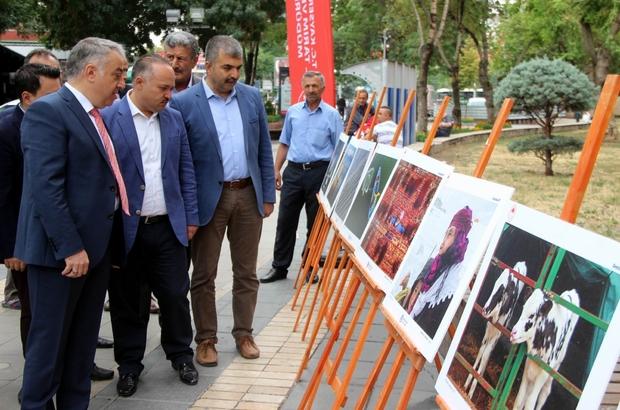 """Tarım ve İnsan konulu fotoğraf sergisi açıldı İş Tarım ve Orman Müdürü Mustafa Şahin: """"15 Temmuz'un önüne geçilmesinde en büyük çabayı sarf eden Türk çiftçisinin vermiş olduğu asil duruşu yad etmek istiyoruz"""""""