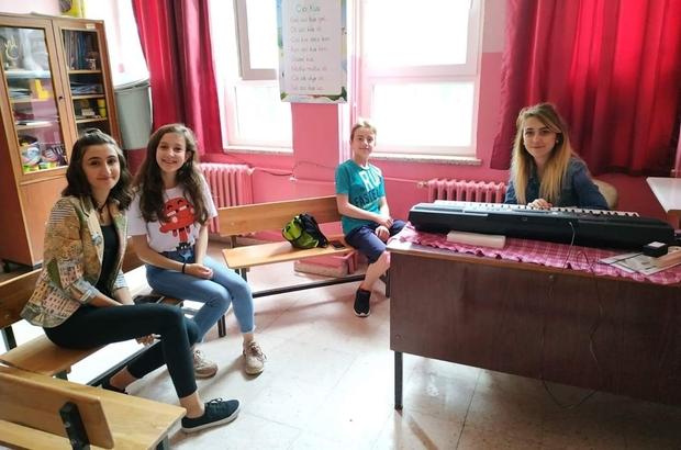 Gedizli 7 öğrenci, Ahmet Yakupoğlu Güzel Sanatlar Lisesi'nde