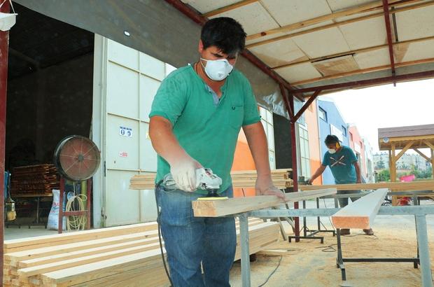 Mersin Büyükşehir Belediyesi, ihtiyacını kendi atölyesinden karşılıyor