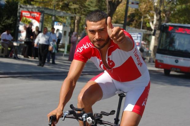 Dünya üçüncüsü bisikletçi bisikletiyle geçirdiği kazada öldü