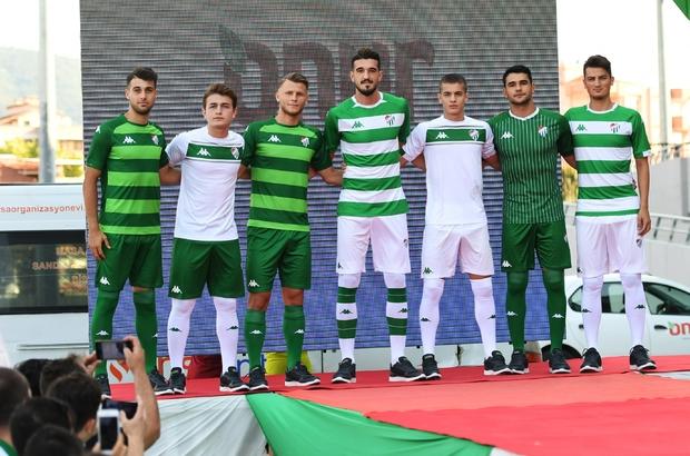 Bursaspor'un formalarına büyük ilgi Yeni sezon formaları beğenildi