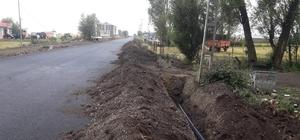 Arpaçay'da CHP'li eski başkandan şaşırtıcı uygulama Arpaçay'da belediyenin yol ve alt yapı çalışmasına CHP'li eski başkandan engel